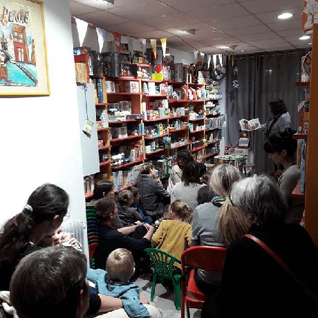 Conteuse Babeth Cultien à la librairie Chat Perché, Le Puy-en-Velay